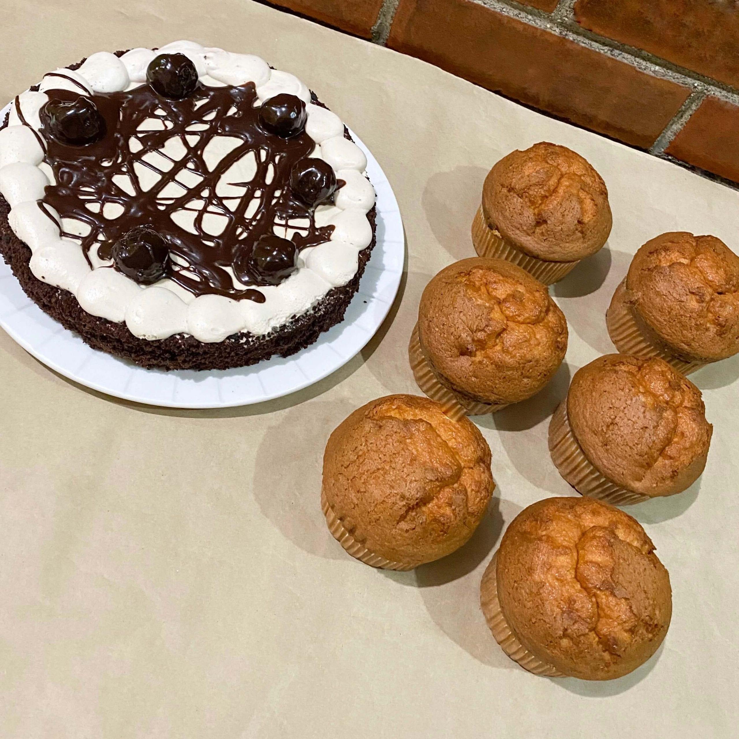 Combo de pastel sin azúcar y muffins